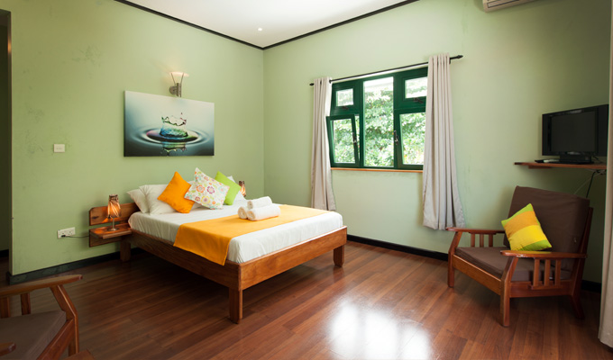 Accommodation_on_La_Digue_Seychelles_Double_Room_(1)