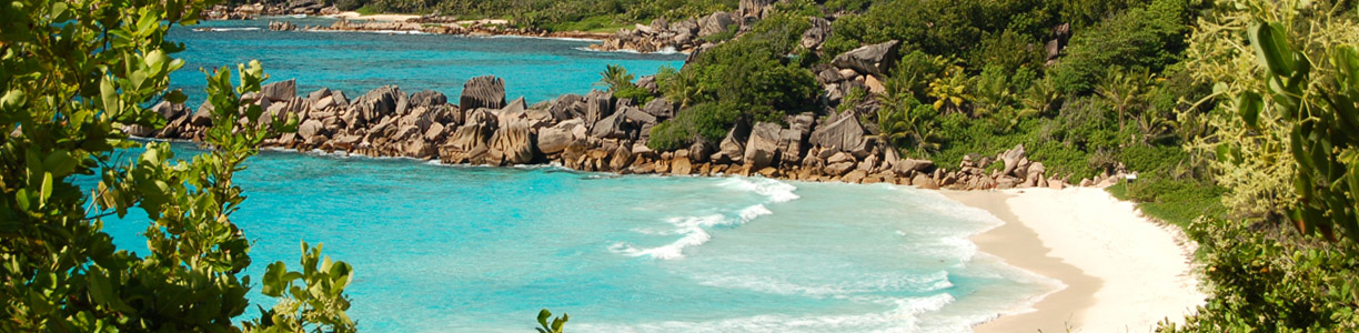 Beaches_on_La_Digue_Seychelles_03